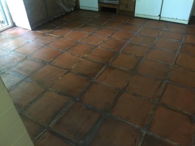 suelo de barro interior tras aplicación tratamiento 01