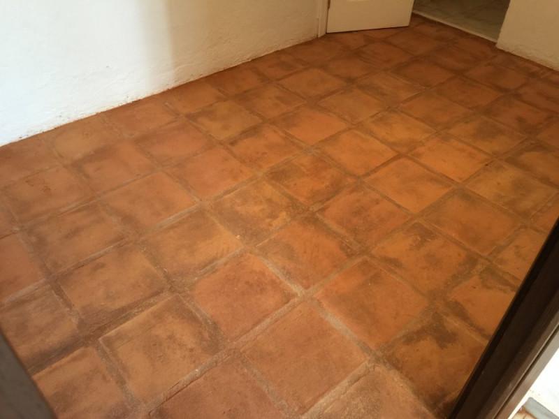 suelo de barro interior resultado tras decapado 05