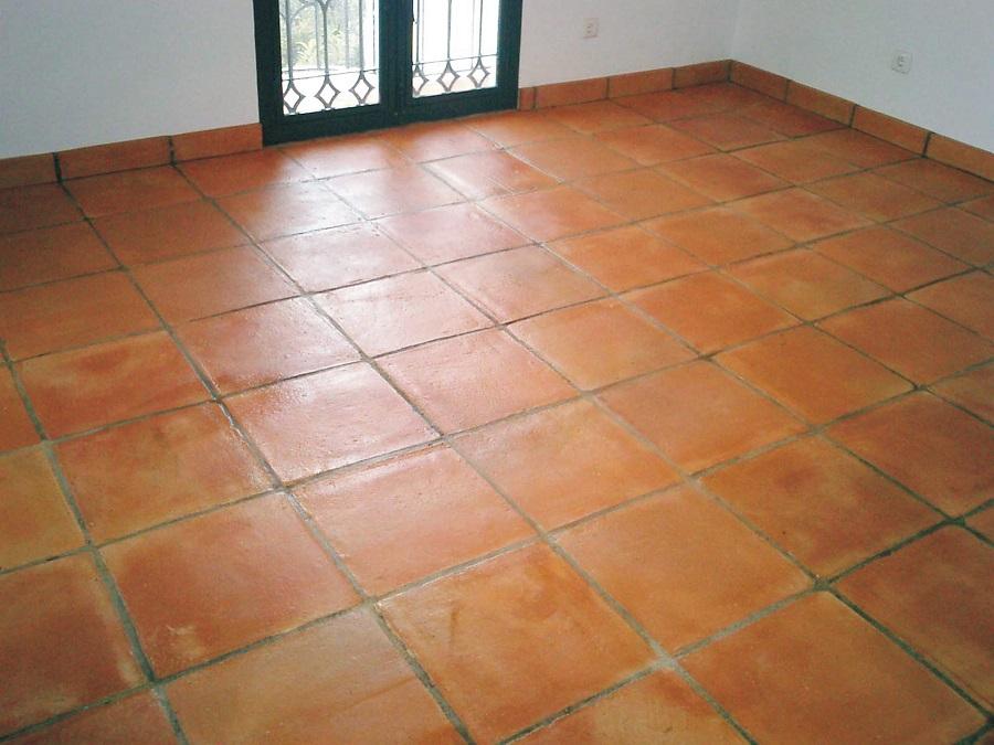 tratamiento suelo de barro interior